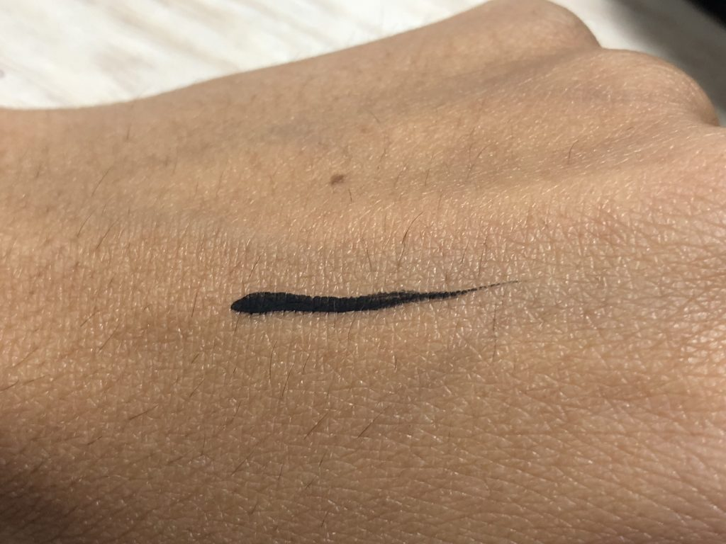 Sephora Fingertip Eyeliner Smart Black Swatch