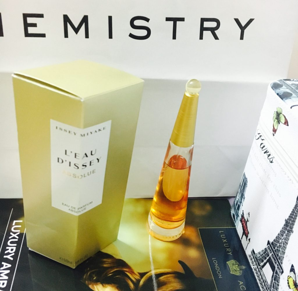Issey Miyake L'eau D'issey Absolue Perfume Cover Pic