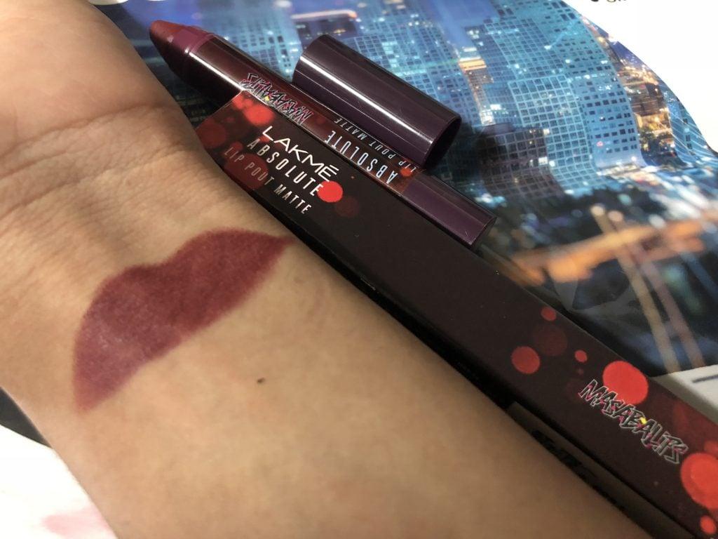 Lakme Absolute Lip Pouts Matte Masaba Lip Color Hot Chocolate Swatch Test